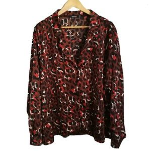 Boohoo Animal Print Dark Colors Blouse, size 20